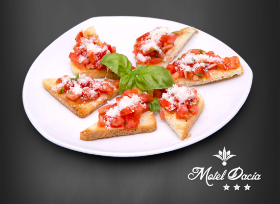 Bruschete con pomodoro & parmigiano